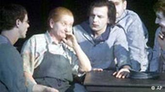 Berliner Ensemble Die Mutter von Bertolt Brecht