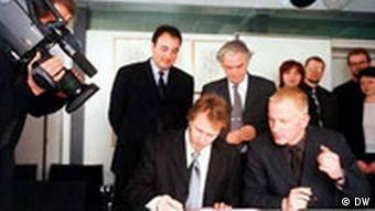 Vertragsunterzeichnung UKROP DOT COM (Ukrainisches Internet-Portal)