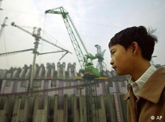 李鹏是三峡工程的积极推动者
