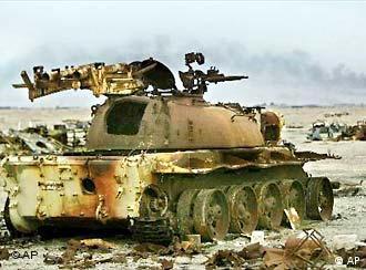 Tanque iraquiano na Guerra do Golfo – o avesso do Pacto de Bagdá