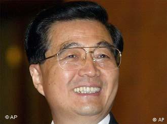 Porträtbild eines lachenden Hu Jintao