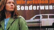 GOOD BYE, LENIN! Deutschland, 2002, 119 min Regie: Wolfgang Becker mit Daniel Brühl, Katrin Saß, Chulpan Khamatova, Maria Simon Sektion: Wettbewerb
