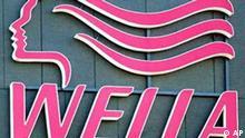 Das Logo des Haarpflegespezialisten Wella am Firmengebaeude in Darmstadt, aufgenommen am Donnerstag, 13. Maerz 2003. Wie das Handelsblatt am Donnerstag unter Berufung auf Verhandlungskreise berichtet, wird ein weiteres Uebernahmeangebot durch den US-Konzern Procter&Gamble erwartet. (AP Photo/Michael Probst) ---The Wella logo is seen at the hair-care company's headquarters in Darmstadt, Germany, Thursday March 13, 2003. U.S. company Procter&Gamble is likely to bid for Wella according to a Thursday March 13, 2003 report by Handelsblatt, citing sources involved with the talks. (AP Photo/Michael Probst)