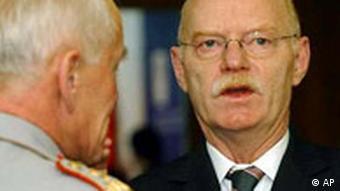 EU Verteidigungsminister Peter Struck