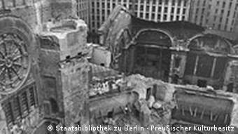 Der im Zweiten Weltkrieg zerstörte Kuppellesesaal der Staatsbibliothek zu Berlin, Haus Unter den Linden