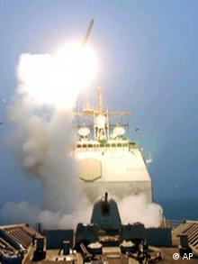 Tomahawk Rakete, abgeschossen von der USS Bunker Hill
