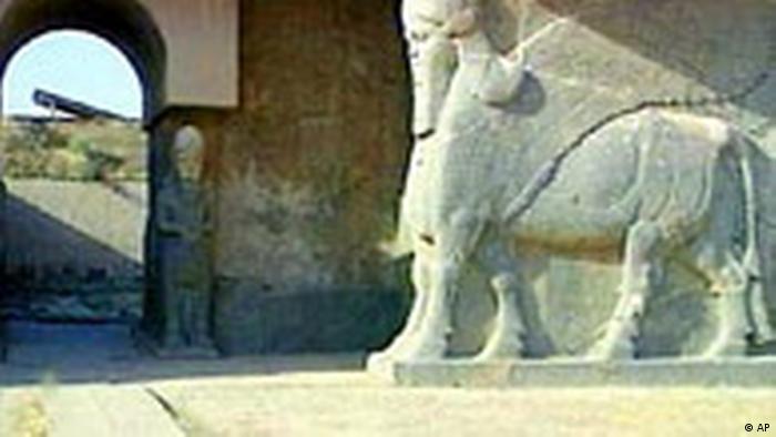 Löwenstatue in Al Nimrud Irak (AP)