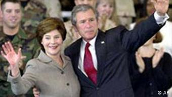 George Bush und First Lady Laura Bush in Florida