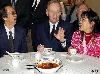 """在中国,""""圆桌谈判""""往往进行得更顺利"""