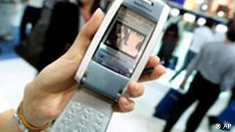 Sony Ericsson P800 Mobiltelefon mit Kamera, Organizer und Internet/E-Mail Funktion