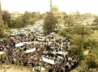 Отвлечь от растущего сопротивления нынешней оккупации Ирака.