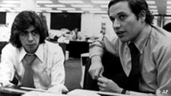 Journalisten der Washington Post Carl Berstein und Robert Woodward Watergate Skandal Quiz 50 Jahre Deutsche Welle Frage 3