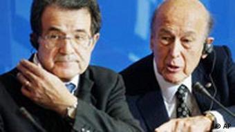 Präsident EU-Konvent Romano Prodi und Präsident der EU-Kommission Valery Giscard d'Estaing