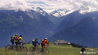Mountainbiker in der Bergwelt von der Schmittenhöhe