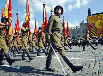 Dia da vitória sobre os alemães é celebrado com pompas militares