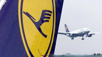 Lufthansa schreibt rote Zahlen