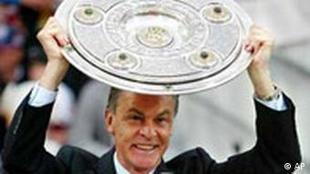Ottmar Hitzfeld Bayern München Meisterschale
