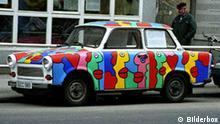 Deutschland - Ostdeutschland - Berlin - Bunt bemalter Trabant (trabi) Kult, Auto,Fahrzeug,Verkehr,FarbenfrohCopyright by BilderBox - Erwin Wodicka; Tel.: +43-(0)676 / 5103678 A-4062 Thening