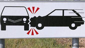Warntafel Verkehrsschwerpunkt Auto Autounfall