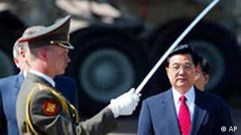 Hu Jintao with soldier