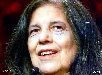 Susan Sontag: Die Menschen werden ermutigt, zynisch zu sein.