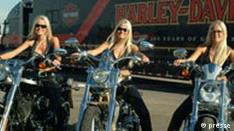 Open Road Tour Harley Davidson Motorrad Promotion Girls