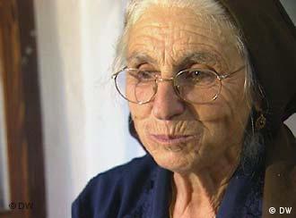Aurelia Tegas bereitet sardische Spezialitäten zu - wie die Nudelteigtaschen Culurgionis.