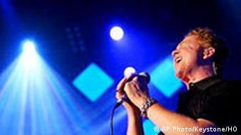 میک هاکنال، خواننده گروه پرآوازه Simply Red