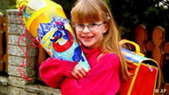 Una niña con su Schultüte