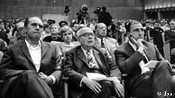 Der Schriftsteller Heinrich Böll, der Soziologie-Professor Theodor Adorno und der Verleger Siegfried Unseld