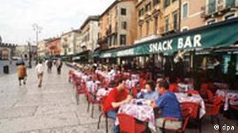 Italienisches Straßencafé