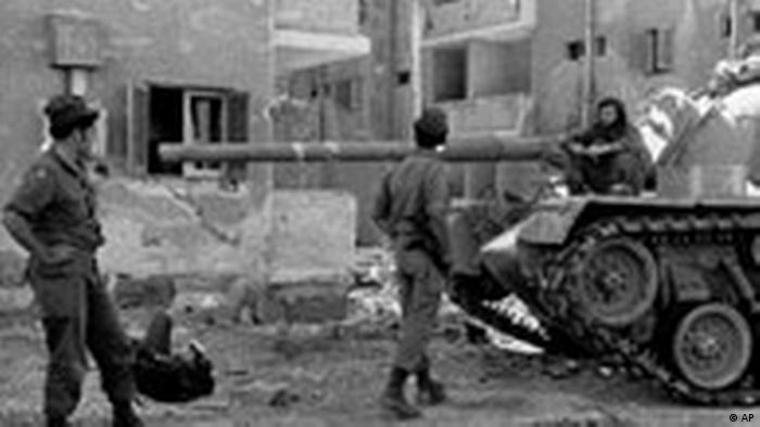 Panzer der israelischen Armee während des Yomkibur Yom Kippur Krieges 1973 in Suez-Stadt