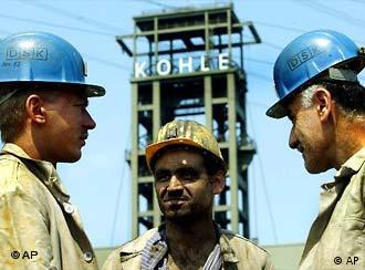 Thousands of miners at risk of unemployment