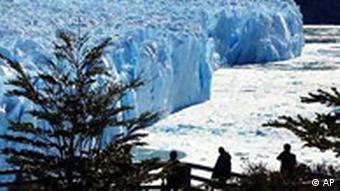 Perito Moreno Gletscher schmilzt - Touristen